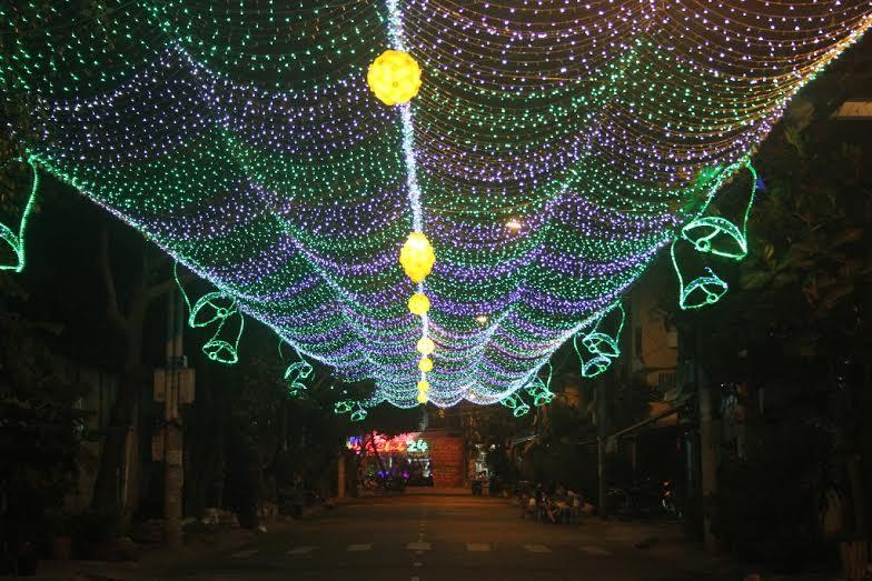 Giới thiệu một số loại đèn dây led sử dụng cho quán cà phê ngoài trời