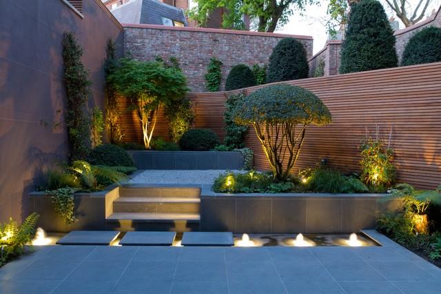 Trang trí sân vườn bằng đèn âm đất